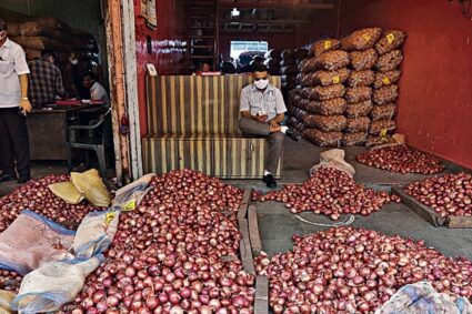 Onion prices soar: Govt won't halt exports as prices 'not extraordinarily high'